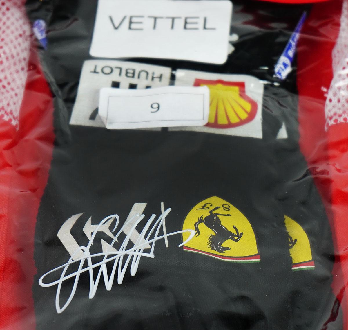 2019 Sebastian Vettel Signed Grand Prix Used Scuderia Ferrari F1 Gloves Racing Hall Of Fame Collection
